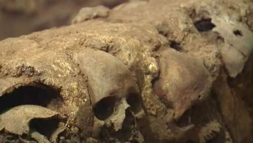 Mexico : Une tour de crânes humains