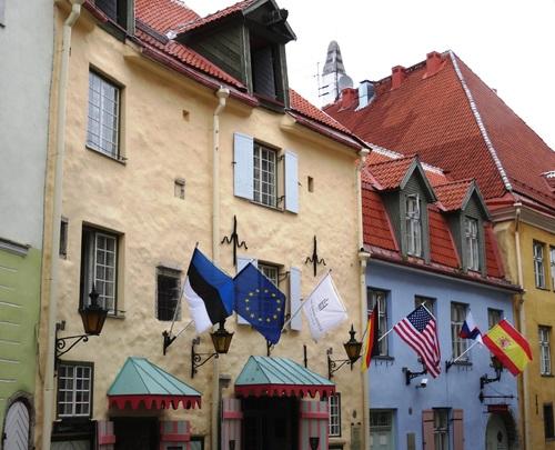 Tallinn en Estonie: autour de l'église du Zaint Esprit (photos)