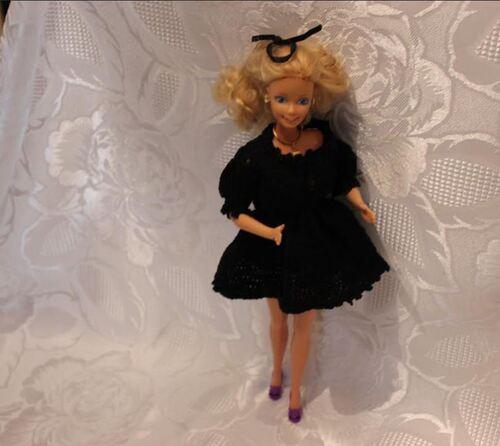 """Barbie :créations/stylistes 2015 """"La petite robe noire"""" (13)"""