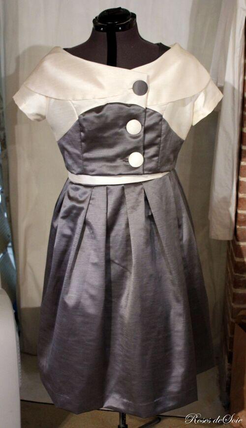 robe et veste gris blanc