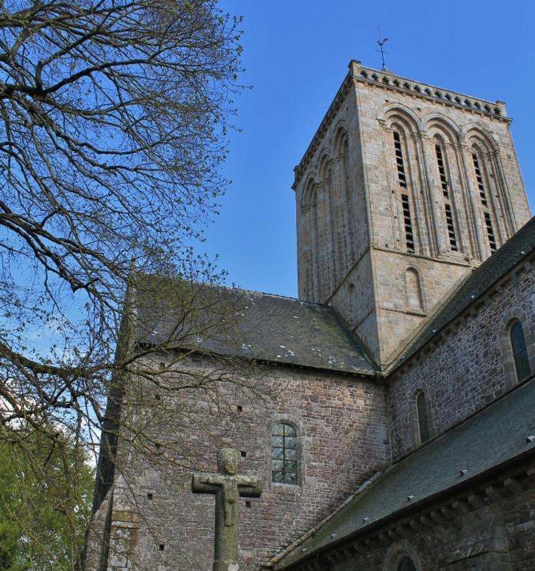 L'abbaye de  de La Lucerne-d'Outremer. ( 50 )