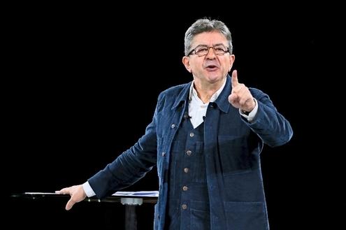 Pour le leader de La France insoumise, des «intérêts de classes» s'affrontent actuellement en France.