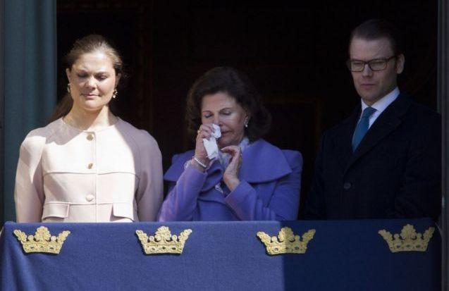 Les Bernadotte au balcon pour les 66 ans de Carl Gustav