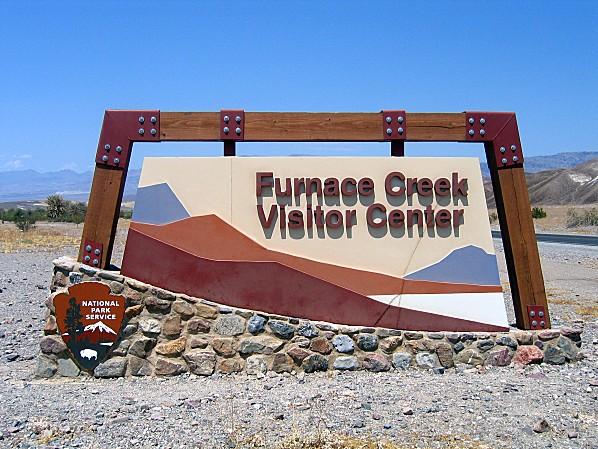 Vallée de la Mort Furnace Creek panneau