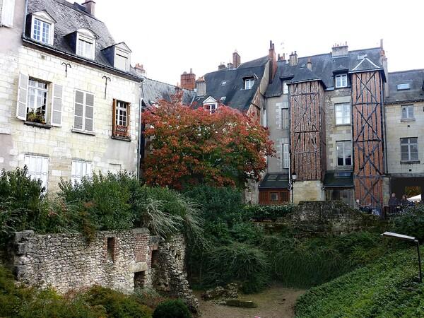 Tours Cour St Pierre le Puellier