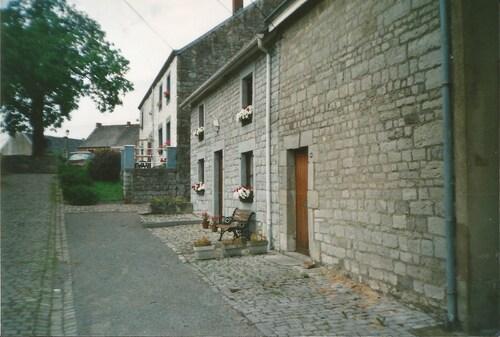 Weris, un petit village pour Khanel