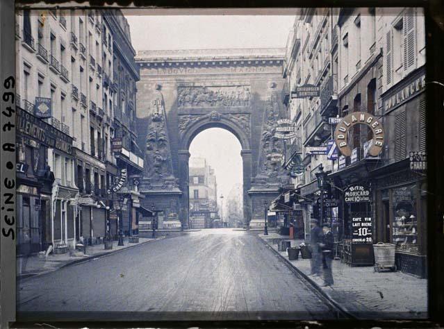 Le faubourg et la porte Saint-Denis par Stéphane Passet ©Musée Albert-Kahn - Département des Hauts-de-Seine