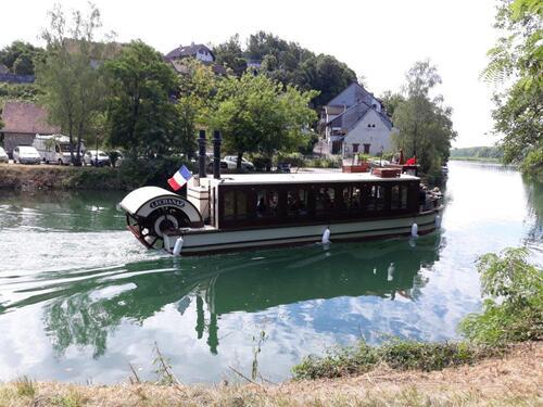 Toujours sur le canal de Savières