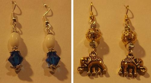 Boucles d'oreilles bleues et blanches et éléphants