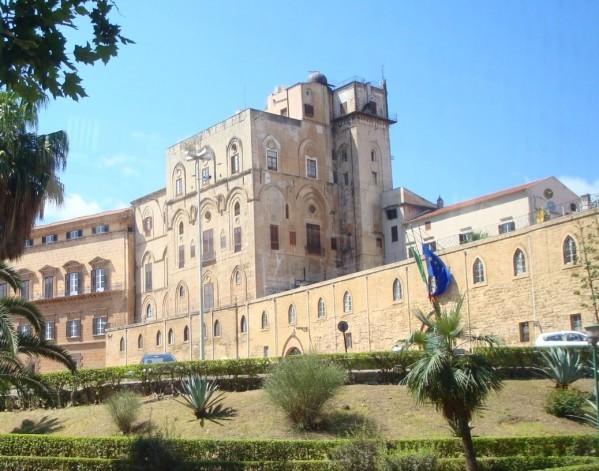 Palerme, Palazzo di Normanni (Piazza della Vittoria)
