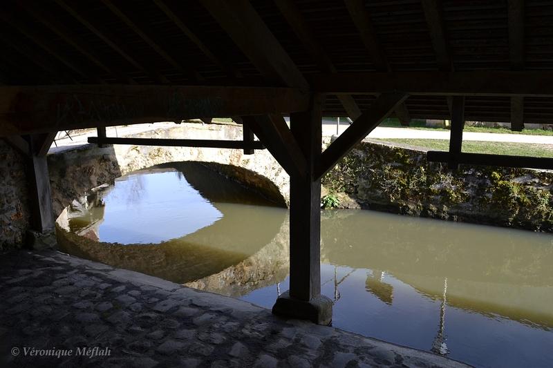 Ville de Chevreuse : Promenade des Petits Pont : Le lavoir de Mandar