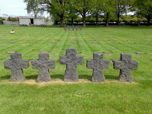 La Cambe et son cimetière Allemand....