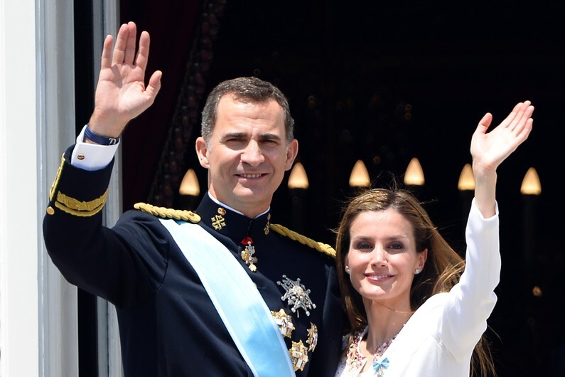 Felipe VI et la princesse consort Letizia Ortiz sont les nouveaux monarques d'Espagne.