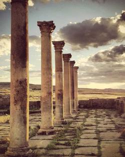 décor ruines colonnes