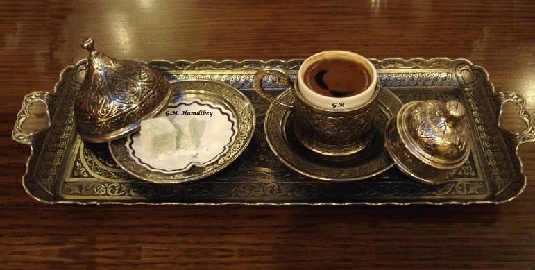 Savourer un café turc