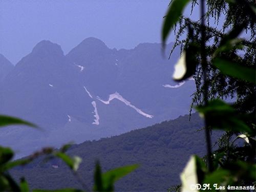 un m sur la montagne