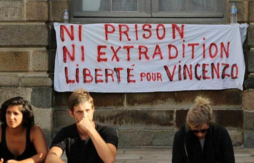Le comité de soutien à Vincenzo Vecchi, à Rochefort-en-Terre, se réjouit de la décision de la cour d'appel d'Angers qui refuse l'extradition de cet Italien qui avait trouvé refuge dans la commune.