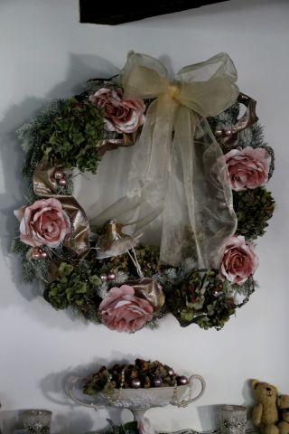 A Romantic Christmas (1)