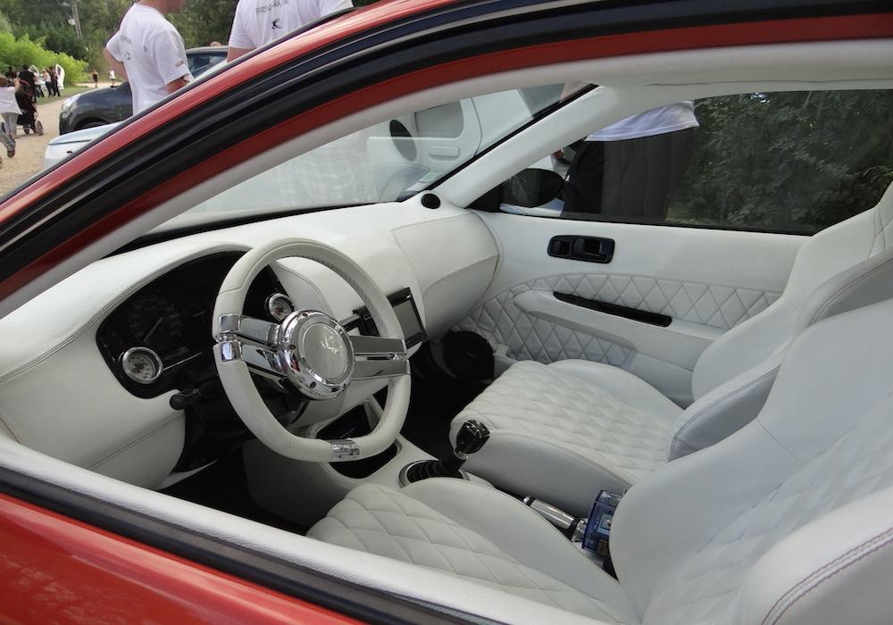 exposition de voitures tuning ( mode de bolide qui nous vient d Amérique