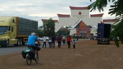 24 février: Tay Nhin arrivée au Vietnam