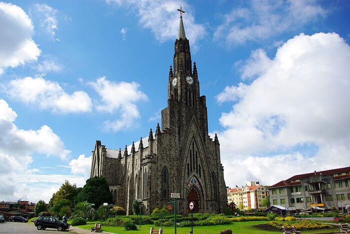 (32e de la série des 50 belles églises dans le monde)