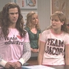 Taylor Lautner alias Mariana dans Saturday Night Live