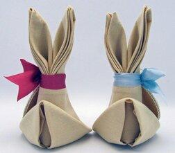 pliage de serviettes facile famille lapins Pâques