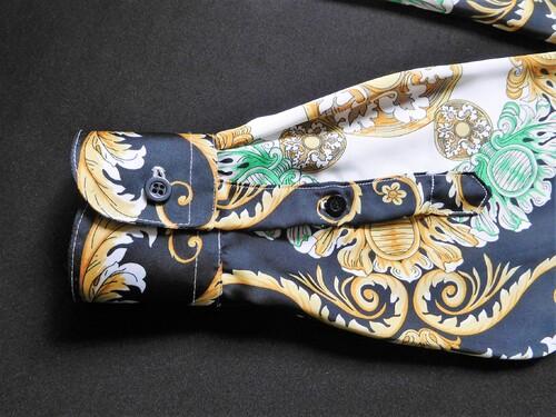 De l'art de la symétrie..chemise style Versace