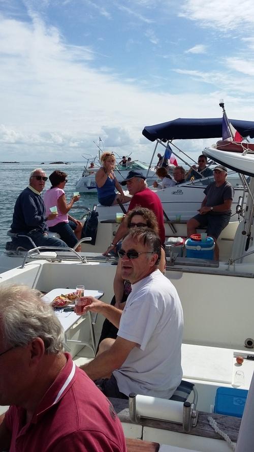 16 Août 2015: L'armada des plaisanciers de Dielette se balade aux Ecréhou!