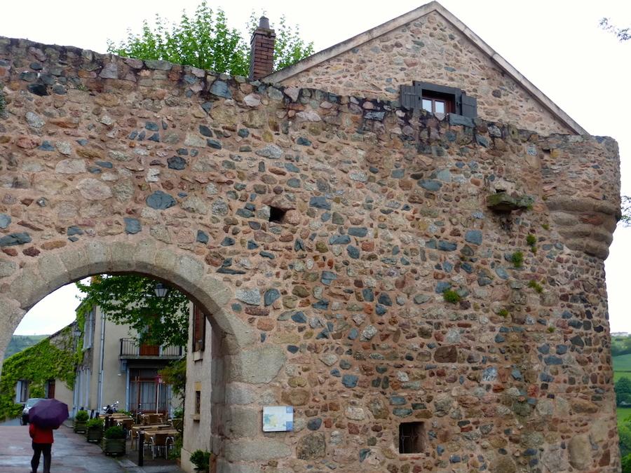 Vieux bourg médiéval de Saint Maurice 1.