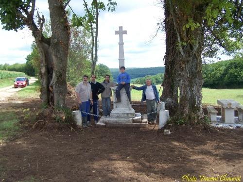 Des nouvelles de la croix des quatre tilleuls...