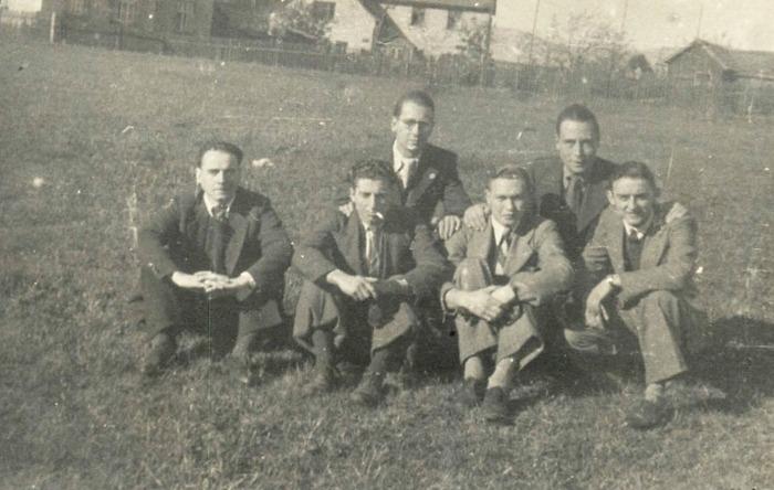 Étudiants de Paris, nés en 1920, 1921 et 1922, requis du « S.T.O.» en 1943 et 1944