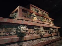 Vous vous souvenez le temple du serpent à plumes? Voici sa version restaurée