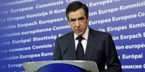 Pour Fillon, l'aide à la Grèce justifie l'austérité en France