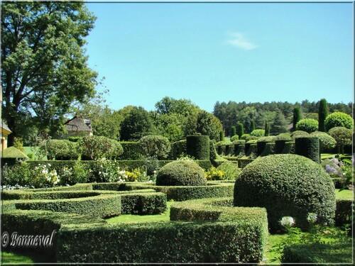 Les Jardins du Manoir d'Eyrignac Dordogne le Jardin Français autre vue