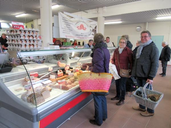 Quelques images du marché de Châtillon sur Seine...la veille du premier confinement annoncé le 15 mars 2020
