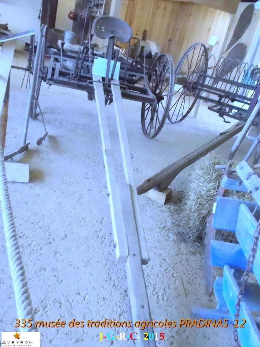 MUSEE DES TRADITIONS  AGRICOLES 3/6 DE PRADINAS 12   D 03/11/2015