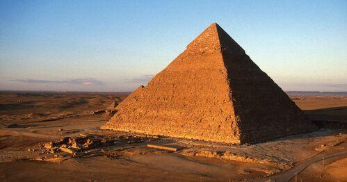 Le secret des grandes pyramides d'Egypte pourrait enfin être percé - rts.ch  - Sciences-Tech.