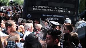 Le gouvernement « de gauche » SYRIZA-ANEL a attaqué avec des gaz lacrymogènes une grande manifestation des retraités