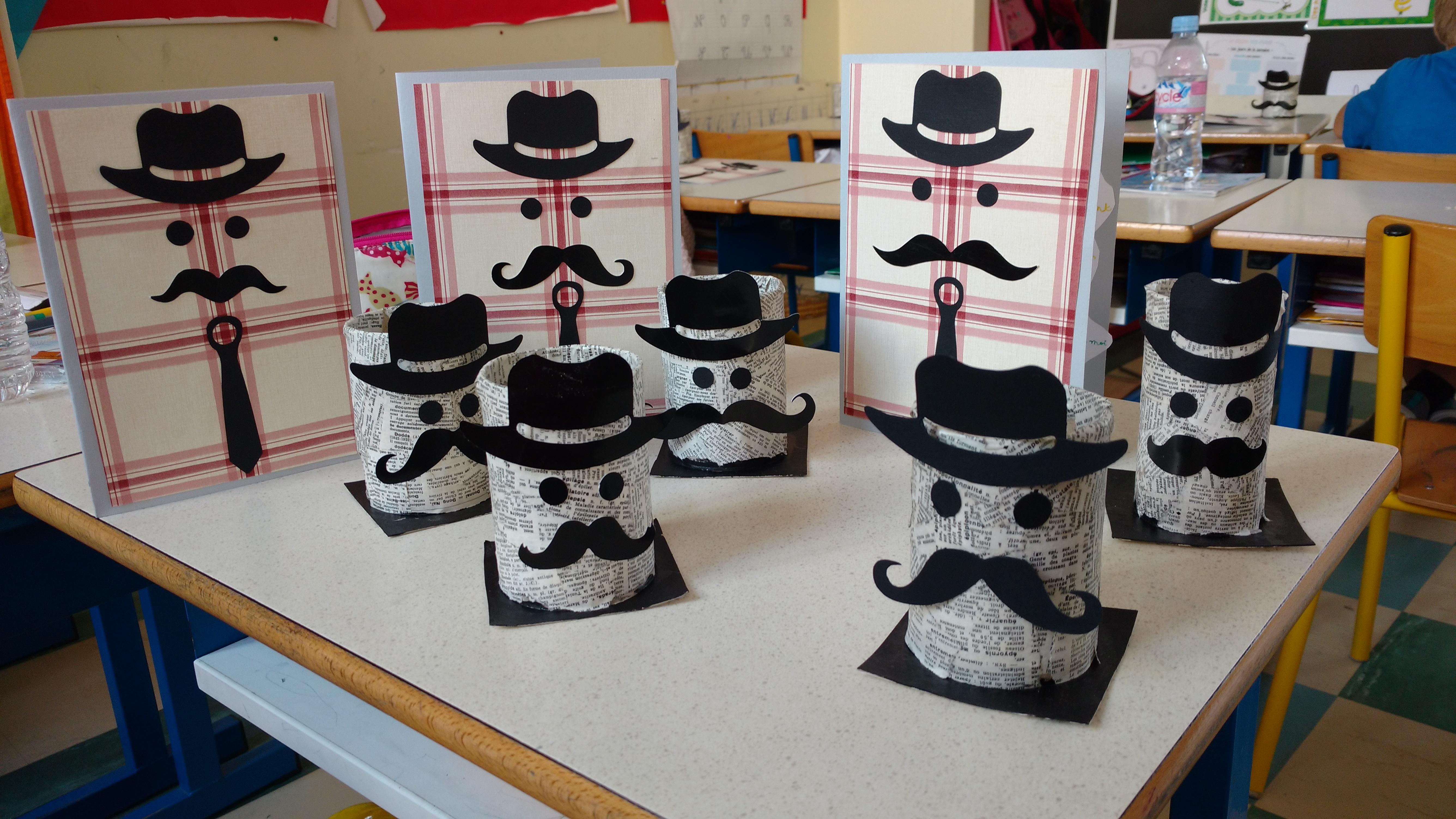 Pot crayon et carte moustache la classe de luccia - Moustaches maternelle ...