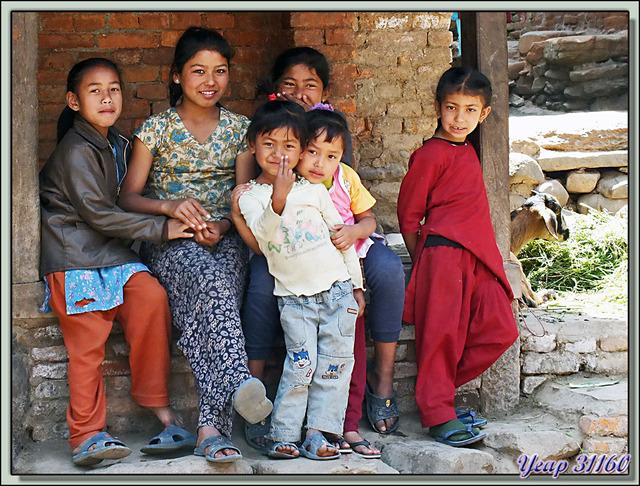 Blog de images-du-pays-des-ours : Images du Pays des Ours (et d'ailleurs ...), Auvents de réunion ou de repos - Khokana - Népal