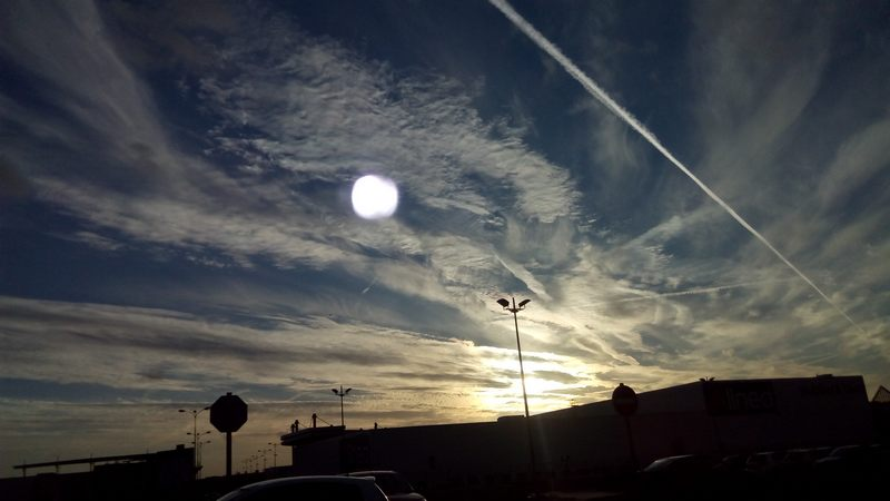 Un regard vers le ciel.