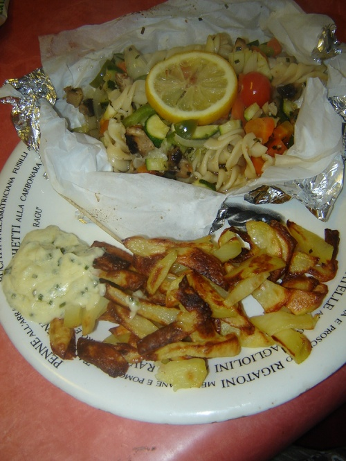 Papillotes de légumes et frites