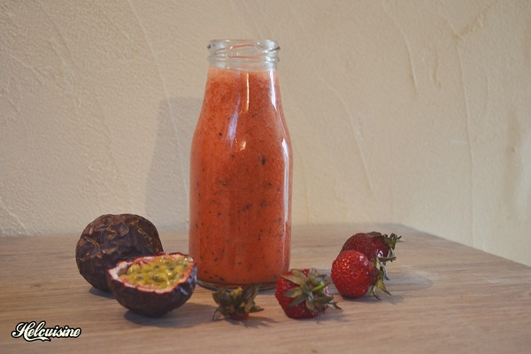 Smoothie fraises et fruits de la passion