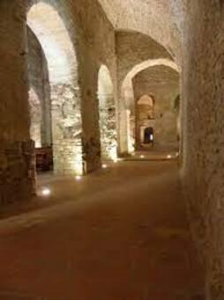 Fichier:Codalet (66) Abbaye Saint-Michel de Cuxa Église 04.JPG — Wikipédia