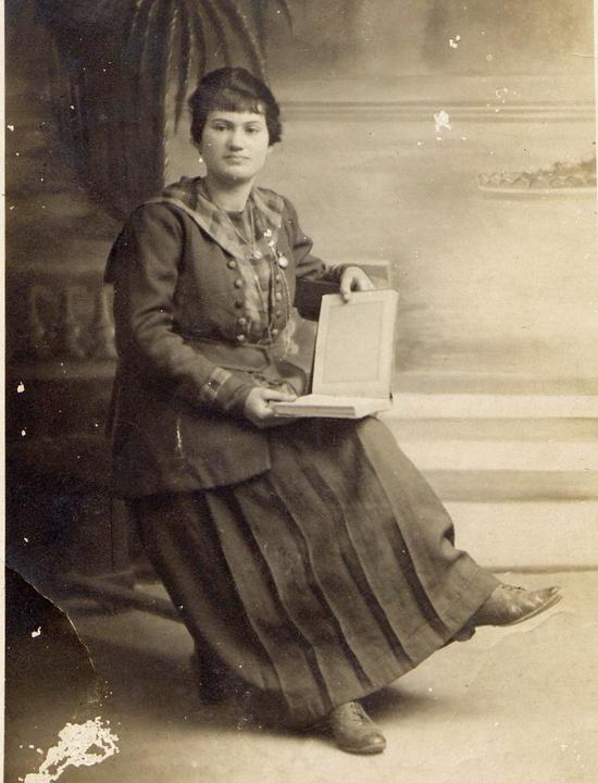 1920 - (environ) - Françoise