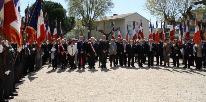 Pont-Saint-Esprit : la FNACA défend le 19 mars 1962, Ménard le pourfend
