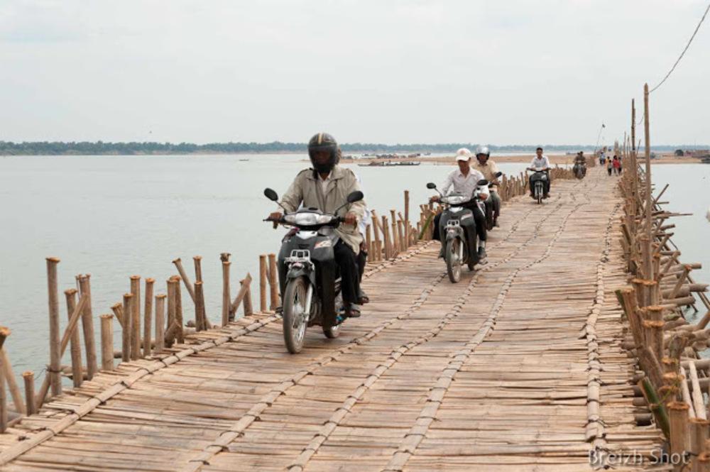 pont bambou de Kampong Cham : Le trafic