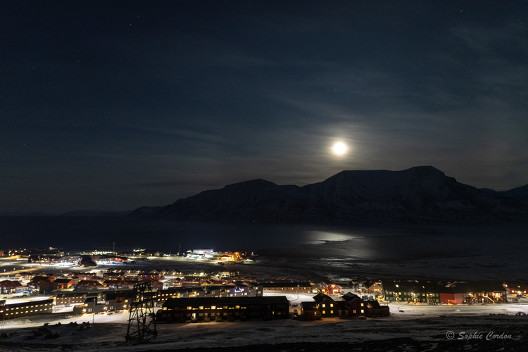 "Longyearbyen by ""day"""