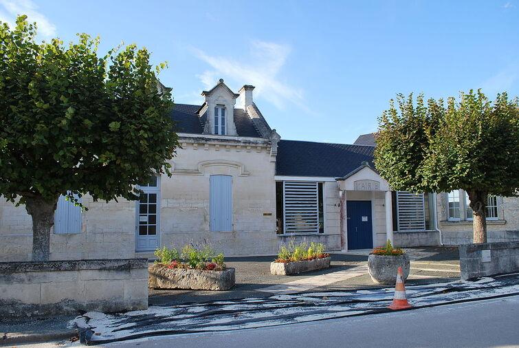 Chermignac Mairie.JPG